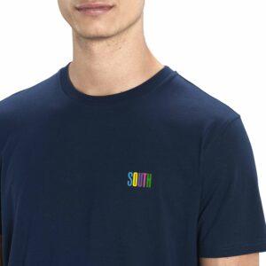SOUTH by Noctū Small Logo – Navy T-shirt
